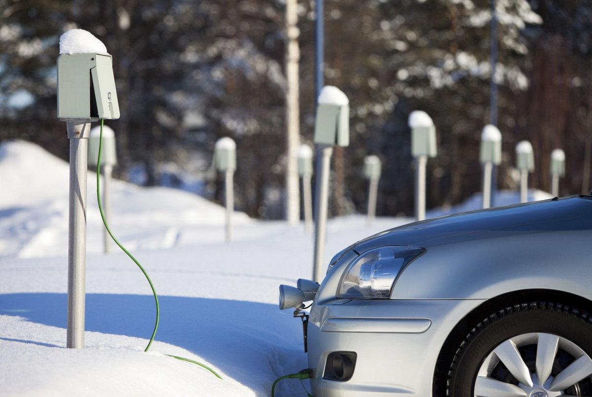 Готовимся к морозам: как утеплить автомобиль самому