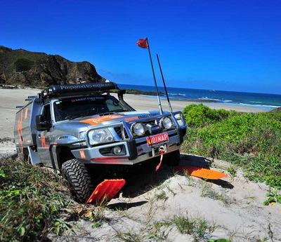 Как не застрять на автомобиле в песке – и выбраться, если застряли